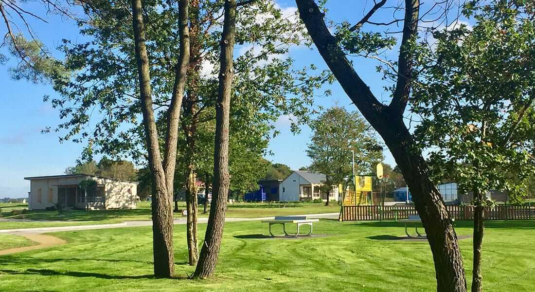 Parc résidentiel de loisir au milieu de la nature vend des résidences secondaire