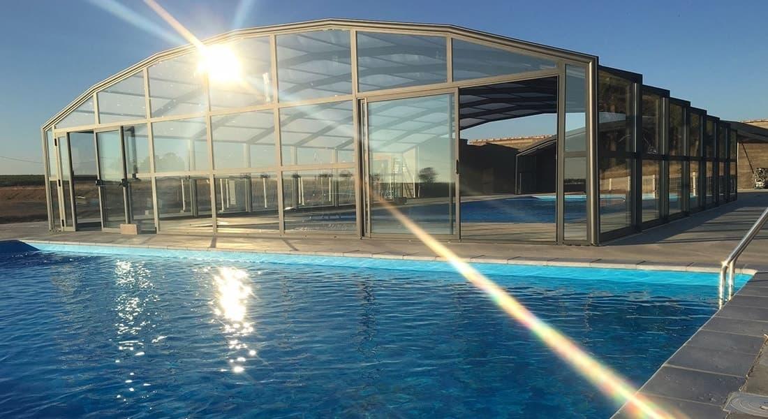 Résidence secondaire avec piscine dans les Pyrénées, parc résidentiel de loisirs