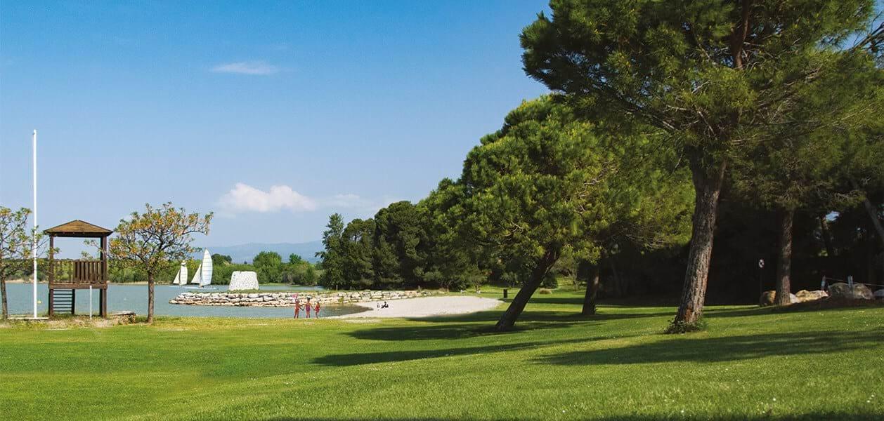 photo résidence au bord du lac de jouarres